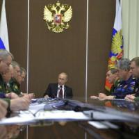 """Il bancomat di Putin per i nazionalisti d'Europa. In fila anche la Lega: """"Ogni aiuto ben..."""
