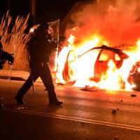 Ferguson, agente non incriminato: i tafferugli dopo l'annuncio