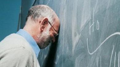 Ultime Notizie: In cattedra a 62 anni senza aver mai insegnato. Precari, i paradossi della 'Buona scuola'