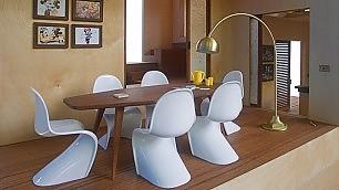 Lampade design e sedie d'autore è la casa perfetta, ma di Barbie