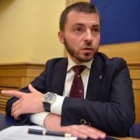 """M5s, altri due deputati in tv per sfidare il diktat di Grillo. """"Dobbiamo parlare alla..."""