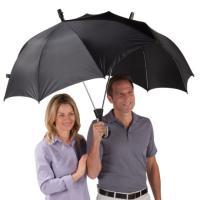 Originali sotto la pioggia. Ecco gli ombrelli più sorprendenti