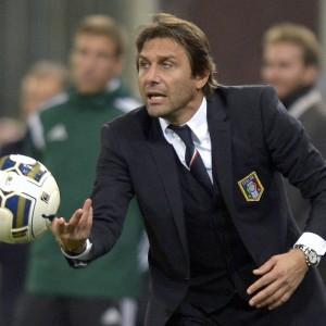 """Nazionale, Conte e la fede: ''Dio mi ha dato tanto''. Visita al Palermo: """"Qui per Dybala e Vazquez"""""""