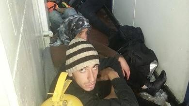 L'odissea di centinaia di profughi siriani  abbandonati in mare senza telefono   video