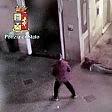 Duemila euro al mese,  il vitalizio per la famiglia  del cameriere bengalese ucciso a Pisa   video