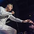 Troppi fan sul palco Morrissey se ne va