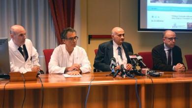 Ebola, il medico italiano contagiato curato con plasma di un malato guarito