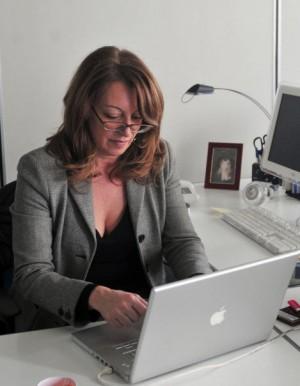 """""""Pubbliche intimità"""", gli affetti nell'era di internet"""