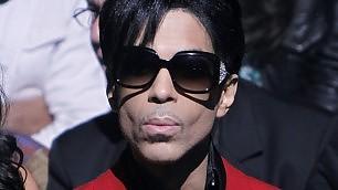 Prince scompare dal web cancellati i profili social