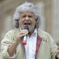 """Grillo: """"Sono stanchino"""". E propone un direttorio per il MoVimento. Via al referendum..."""