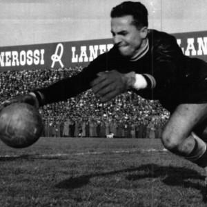 Calcio, è morto Sentimenti IV: fu il primo portiere goleador