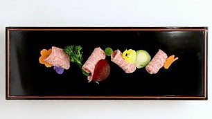L'arte dell'Ikebana a tavola