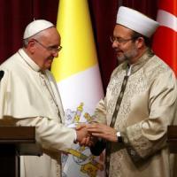"Papa Francesco in Turchia: ""Stessi diritti per musulmani, ebrei, cristiani"""
