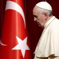 Il Papa nella Moschea Blu. Secondo giorno di Francesco in Turchia