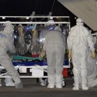 """Ebola, il medico Emergency """"in peggioramento"""""""