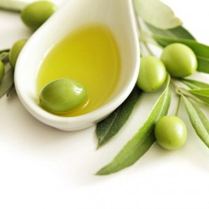 Olive come diamanti, scortate contro i furti