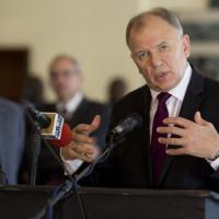 """Ebola, il commissario Ue: """"Fermare l'epidemia in Africa"""""""