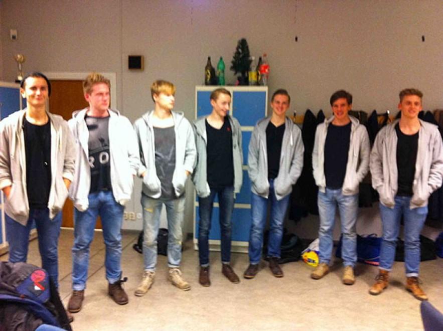 Siamo un esercito di cloni: la realtà va oltre la fantasia