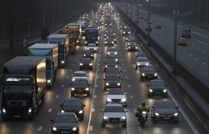 """""""Intestazioni temporanee sulla carta di circolazione"""", tutto da rifare per le auto a noleggio"""