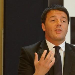 """Renzi: """"Accelerare su Italicum"""". Direzione approva la tempistica sulle riforme"""