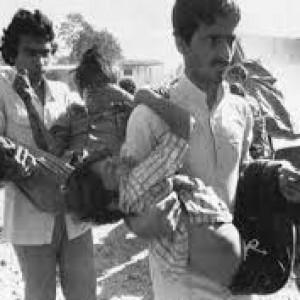 Bhopal, trent'anni fa la strage nella fabbrica di pesticidi, finora nessuno è stato mai giudicato e tutto s'è risolto con 400 dollari