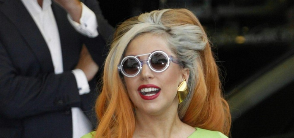 "Lady Gaga, ""Io, violentata a 19 anni"""