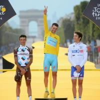Ciclismo, Uci: niente licenza all'Astana. Tour a rischio per Nibali