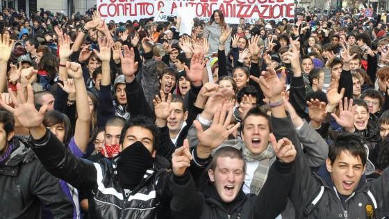 """Il Censis e l'Italia: """"Famiglie e imprese bloccate dalla paura del futuro"""""""