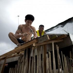 Il tifone Hagupit colpisce le Filippine. Quattro morti e migliaia di abitazioni senza elettricità