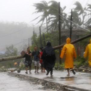 Filippine flagellate dal tifone: almeno 21 morti