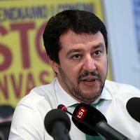 """Blitz di Salvini a Mosca contro rinnovo sanzioni: """"Prestito russo alla Lega? Non direi di no"""""""