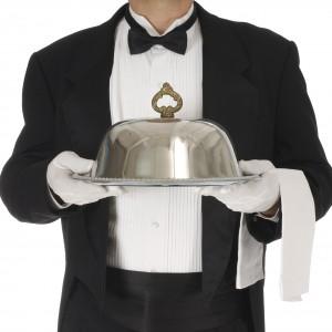 Regno Unito, il ritorno del maggiordomo: lo stipendio arriva a 10mila euro al mese