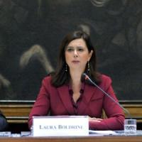 """Ebola, Boldrini: """"Ringrazio l'Italia che sfida la paura"""". Le istituzioni"""