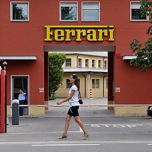 Il Cavallino rampante di Ferrari vola all'estero ...