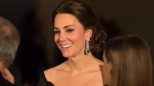 "Kate e William, finito il tour Usa Media inglesi critici: ""Noiosi""    Video: Kate incanta al gala"