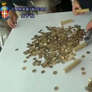 Euro falsi 'made in China' per lo shopping di Natale: sequestrato mezzo milione in monete