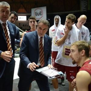 Basket, Venezia-Reggio sfida d'alta quota. Sassari contro l'entusiasmo di Trento