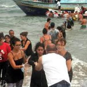 Migranti, continuano gli arrivi via mare: testimoni raccontano di un naufragio con 47 vittime e per la prima volta arrivano persone da Kobane