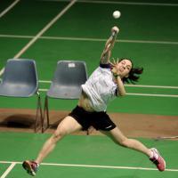 Salti e acrobazie, lo spettacolo del badminton
