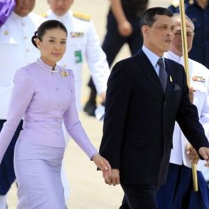 Scandalo a Corte in Thailandia, la principessa Srirasm rinuncia al titolo reale