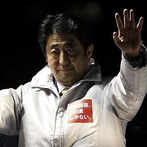 Giappone, Abe vince scommessa: vittoria alle elezioni, ma affluenza giù