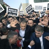Turchia, arrestato direttore del quotidiano di opposizione Zaman