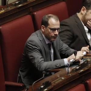 """M5S perde pezzi, lascia anche Currò. Renzi: """"Ha compreso la mia apertura"""""""