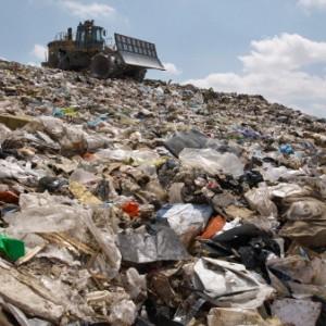 Ue, Juncker cancella le leggi ambientali