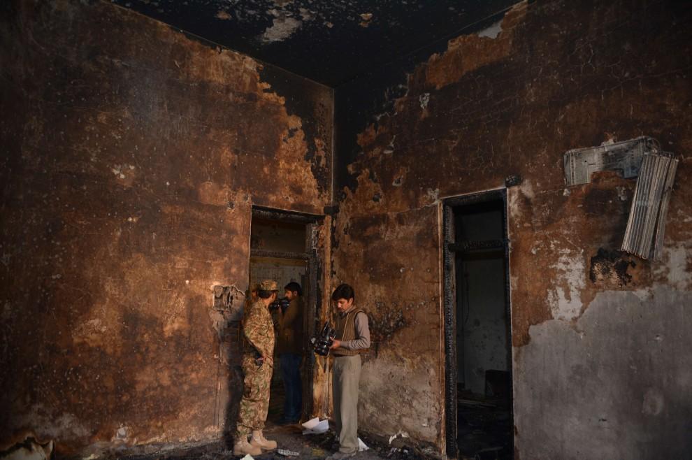 Peshawar, l'interno della scuola attaccata dai Talebani