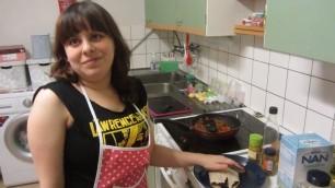 Licia ai fornelli: ''Così cucina una persona non vedente''
