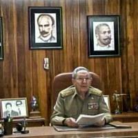 Avana, i cubani assistono al discorso di Raul Castro