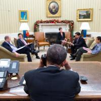 Obama al telefono con Castro nello studio ovale