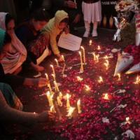 Pakistan, dopo la strage il governo reintroduce la pena di morte per i terroristi