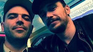 """Saviano, selfie con James Franco  """"Sulla strada delle idee..."""""""